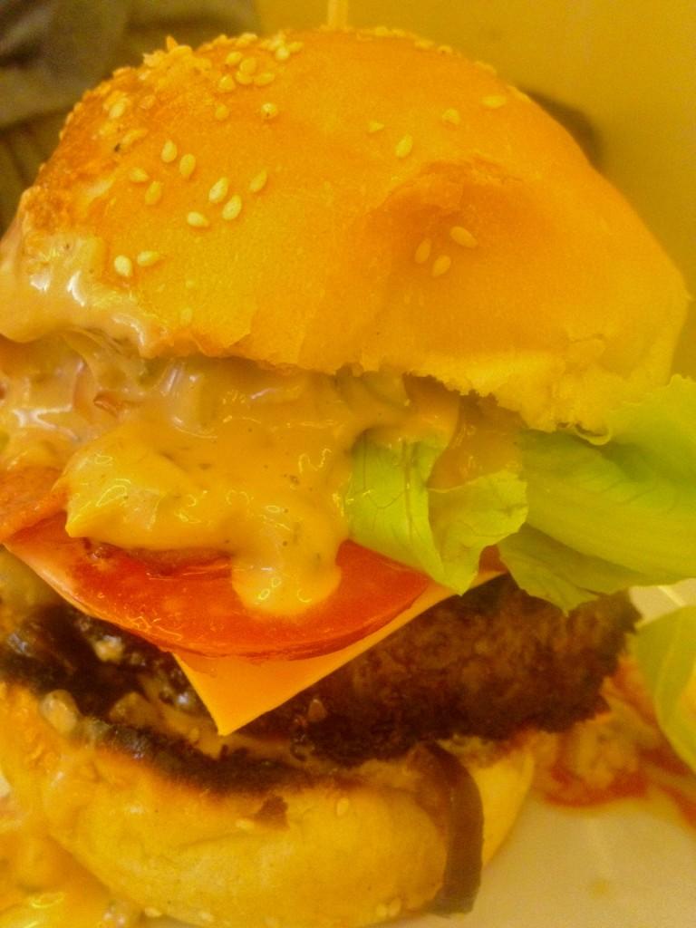 cheeseburger-le-bonne-nouvelle