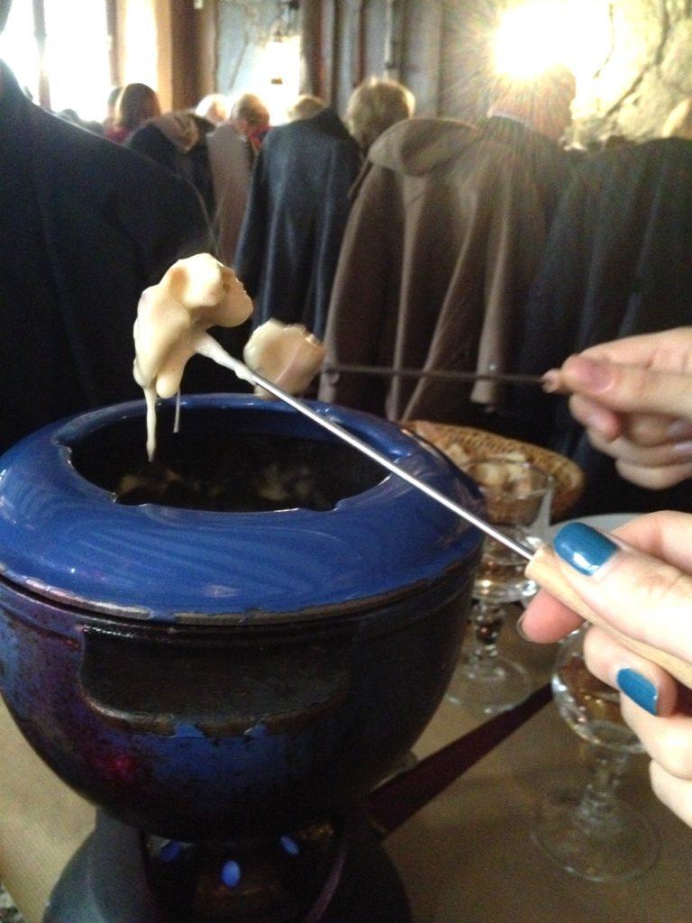 fondue-savoyarde-la-marmite-faubourg)poissonniere