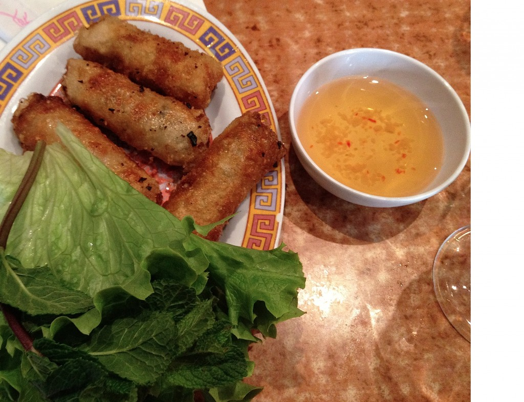 nems-song-huong-resto-paris