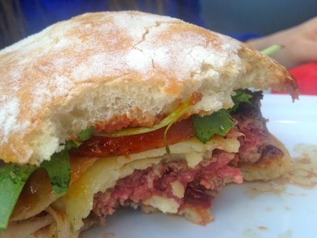 burger-comptoir-epicerie-pere-claude-motte-picquet