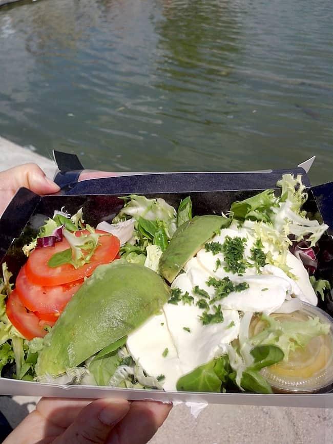 salade-avocat-pret-a-manger-resto-paris