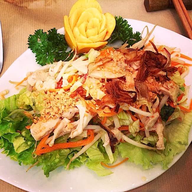 salade-soja-poulet-le-pousse-pousse-resto-pasteur