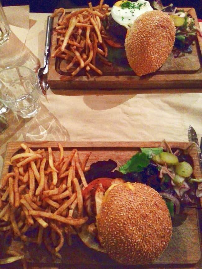 burgers-captain-b-restaurant-hamburgers-paris