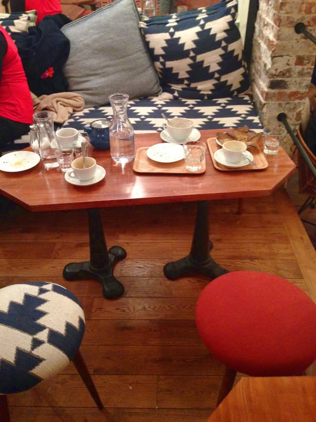 cafe-loustic-coffee-shop-rue-chapon