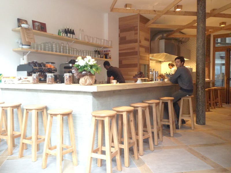 cantine-california-rue-de-turbigo-decor-bois