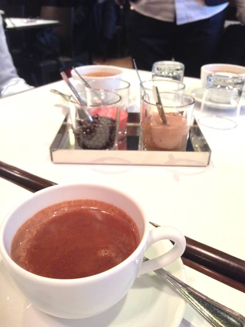 chocolat-chaud-bar-a-chocolat-jean-paul-hevin