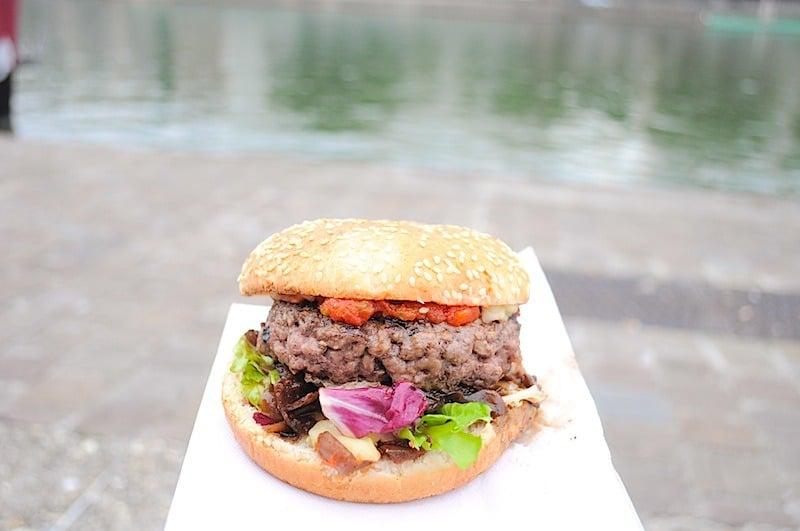 big-apple-burger-little-italy