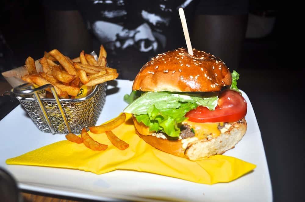 mamie-burger-75002