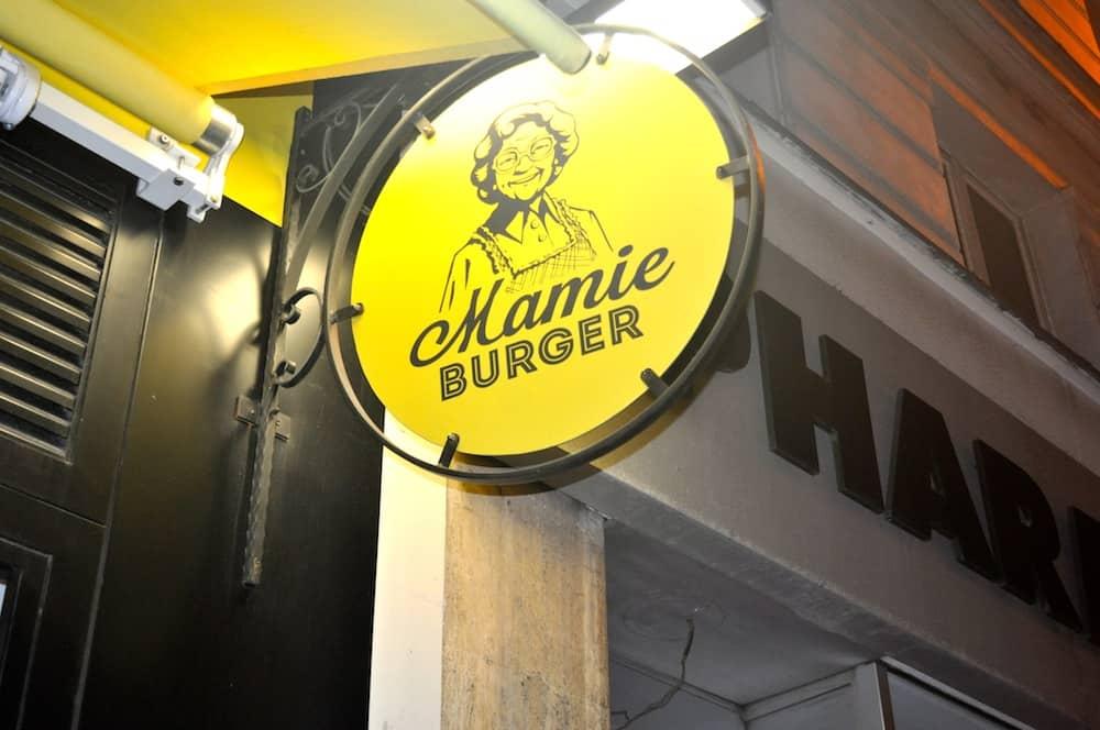 mamie-burger-rue-de-la-michodiere