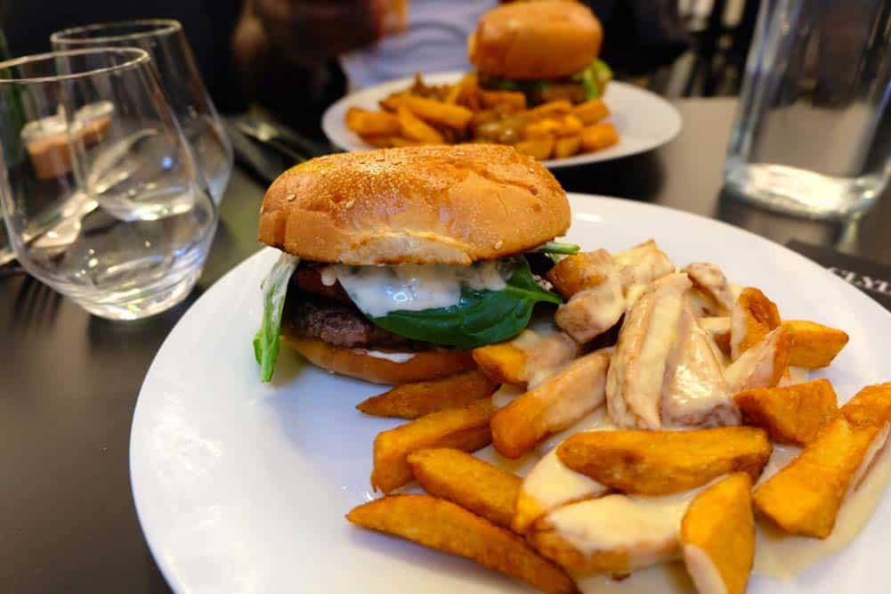 clyde-restaurant-paris-2-burgers