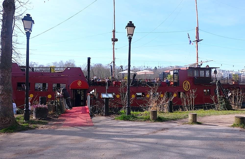 brunch-restaurant-le-galion-paris-16-peniche-restaurant