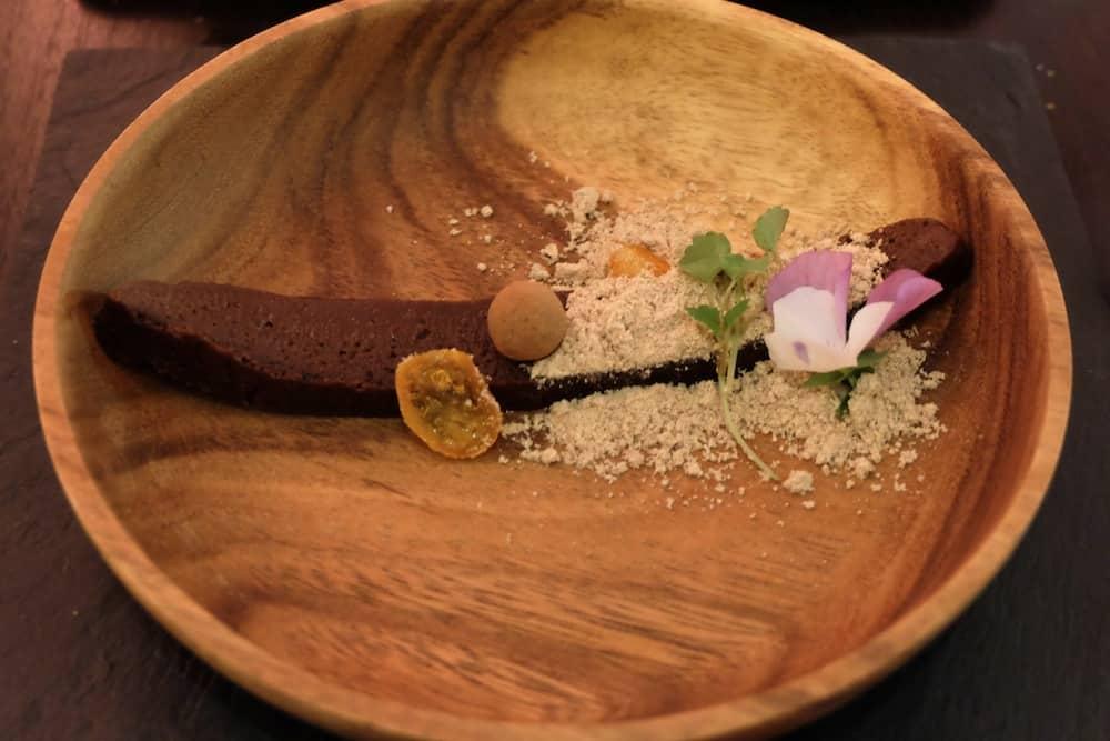 esensall-restaurant-paris17-bio