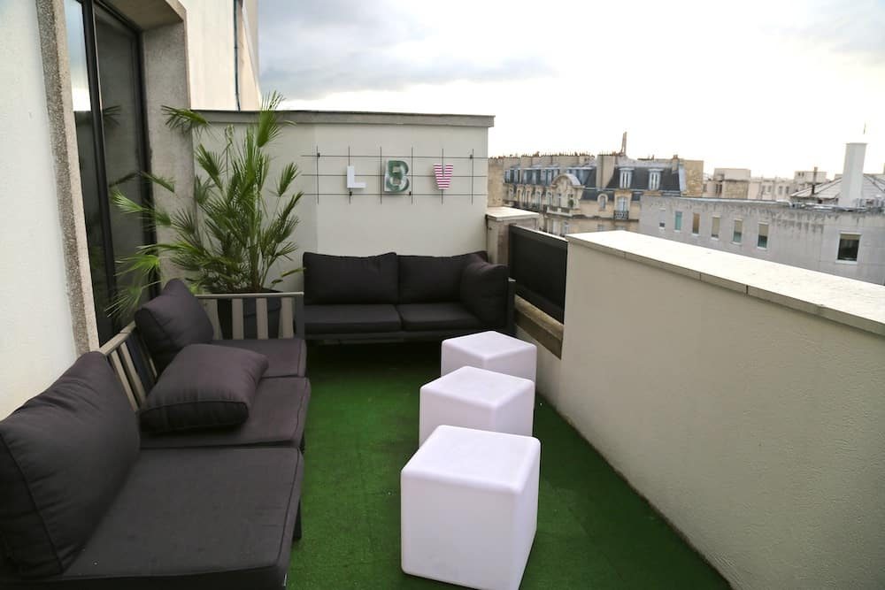 le lounge bar view du novotel vaugirard rooftop paris 15. Black Bedroom Furniture Sets. Home Design Ideas