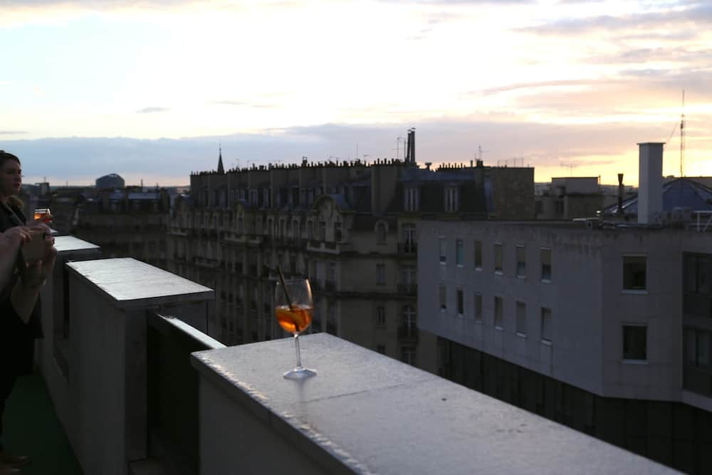 lounge-bar-view-rooftop-paris15-novotel-vaugirard