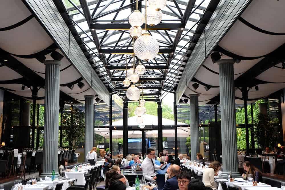 La gare bain de lumi re au coeur du 16 me for Restaurant au jardin paris