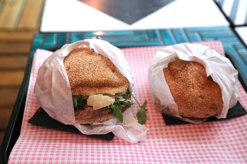l-improbable-rue-guillemites-paris-4-food-truck-bien-fait-pistolets-belges-paris
