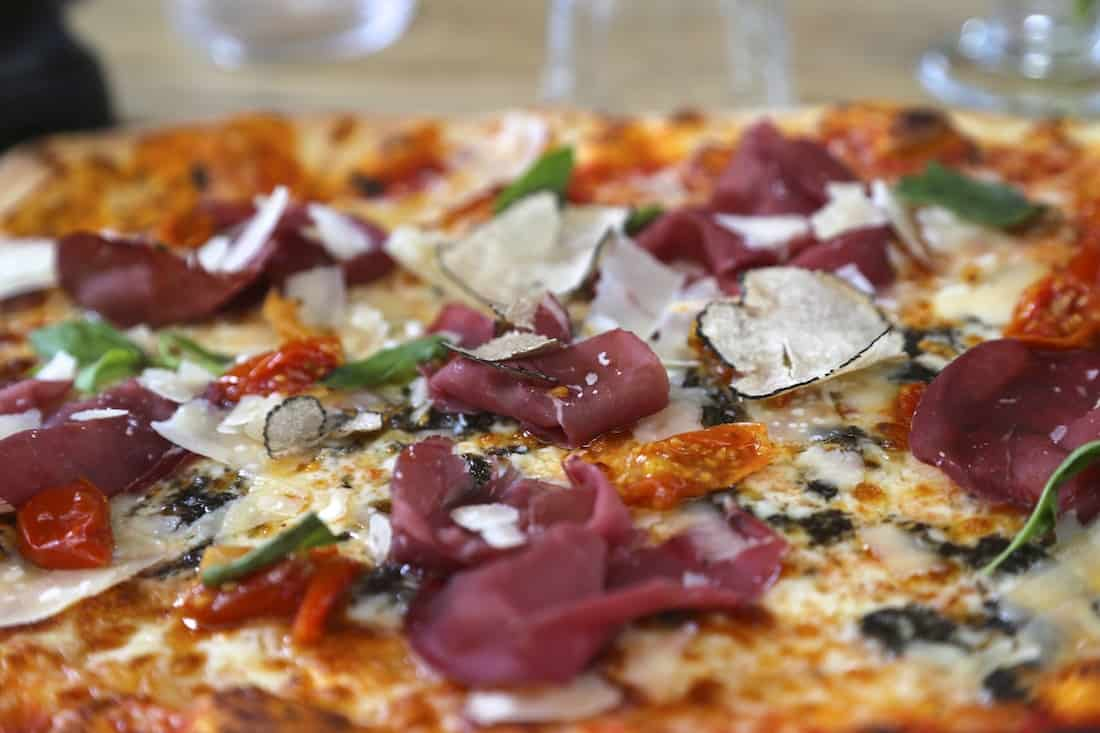 auteuil-brasserie-paris-16-restaurant-rooftop-pizza