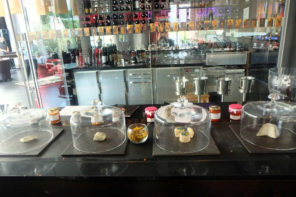 bar-hotel-renaissance-arc-triomphe-lepicurien