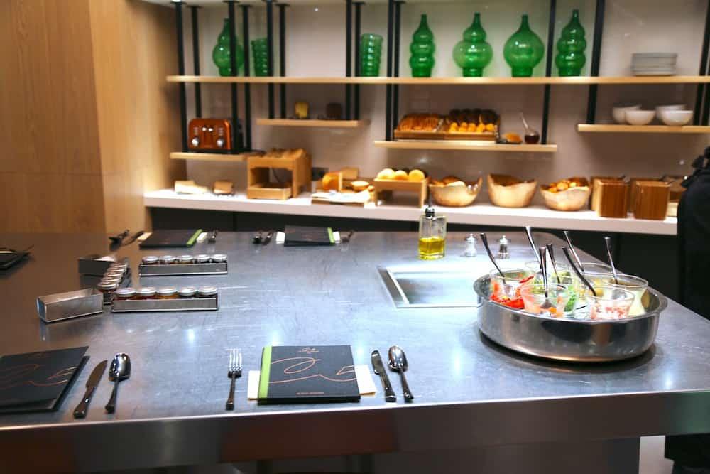 cinq-codet-petit-dejeuner-open-kitchen
