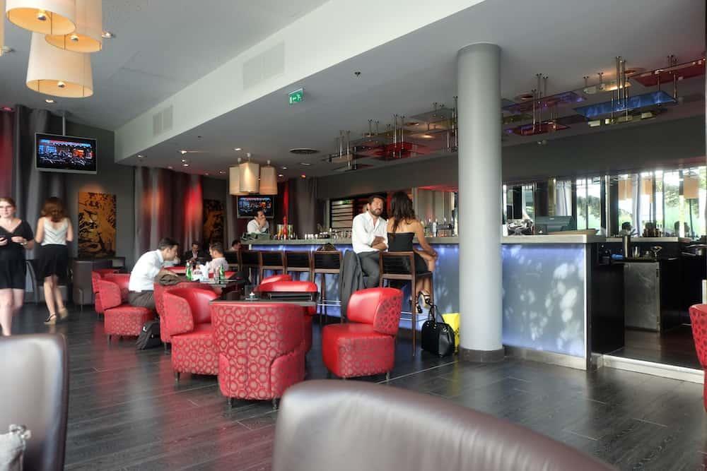 hotel-bar-renaissance-arc-triomphe-lepicurien