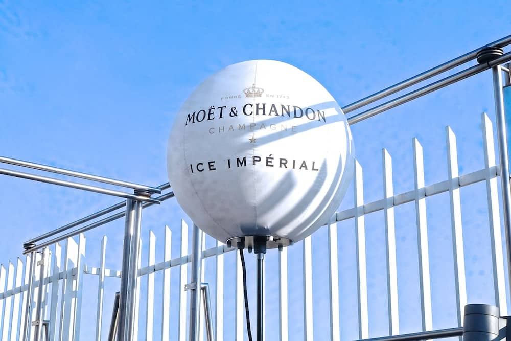 moet-chandon-ice-imperial-maison-blanche-terrasse