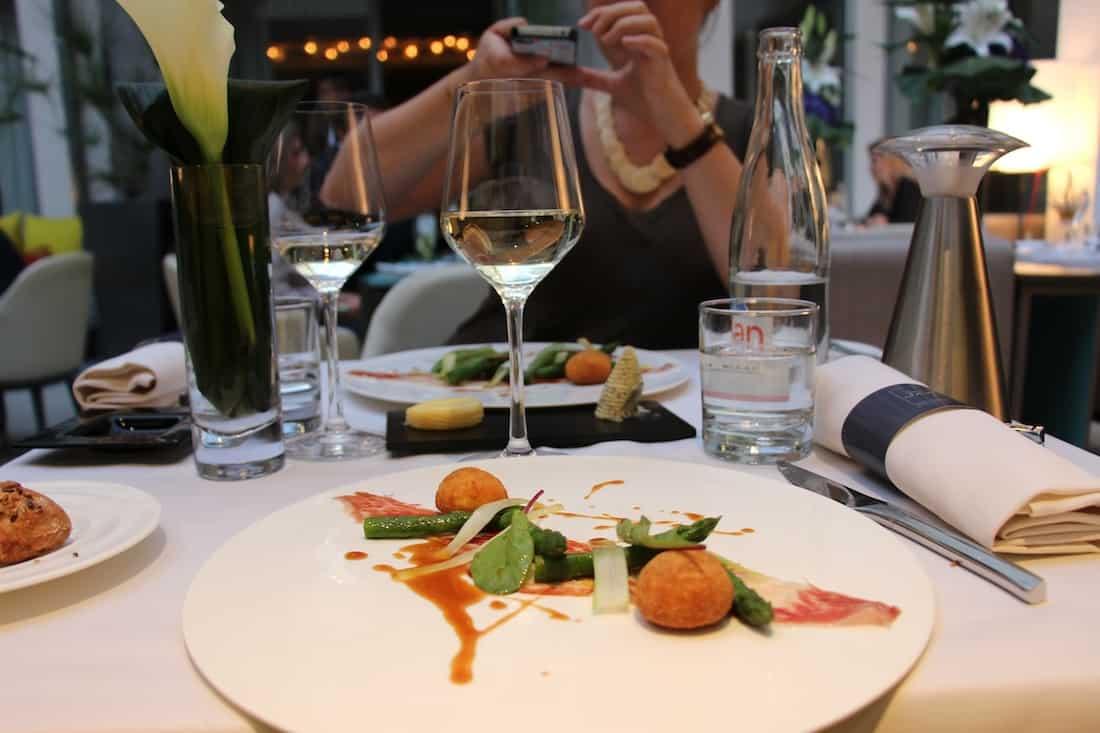 restaurant-hotel-de-sers-paris-8-delamotte
