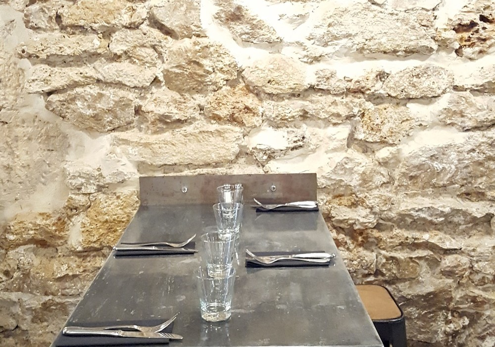 restaurant boulettes paris rue saint denis parisianavores. Black Bedroom Furniture Sets. Home Design Ideas
