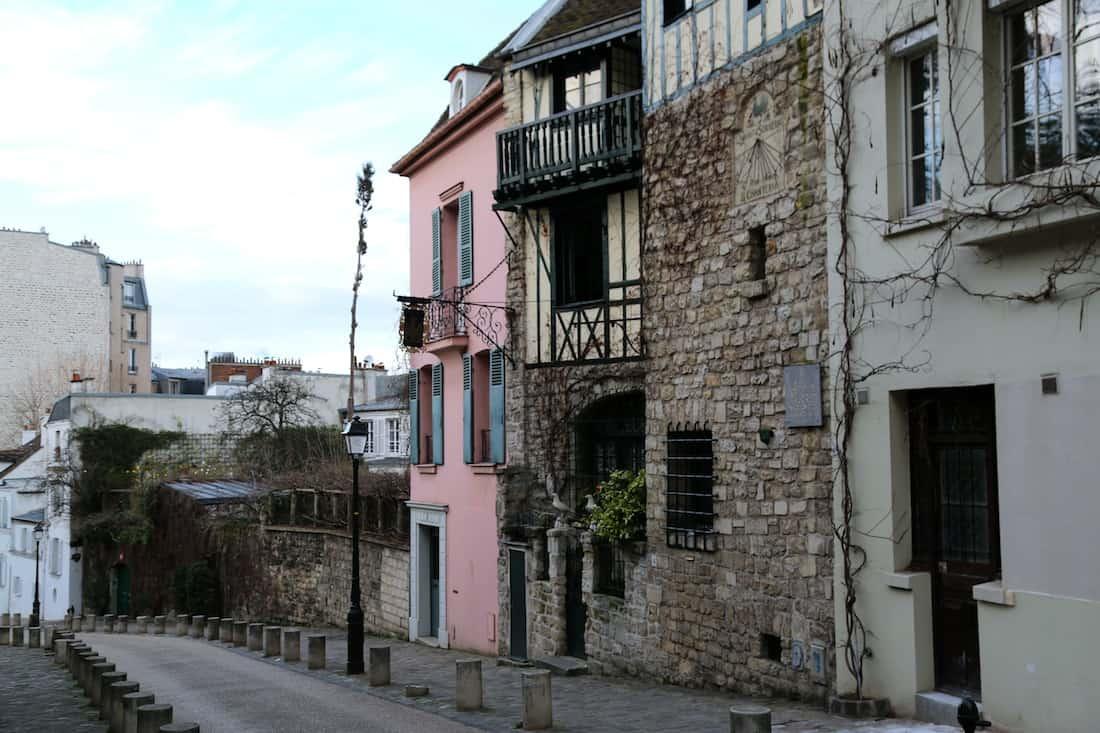 rue-custot-monmartre-paris-18eme