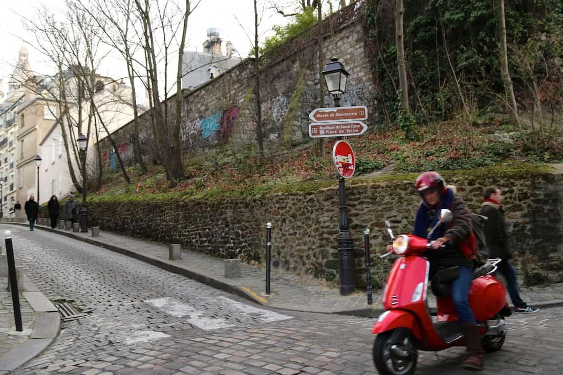 rue-custot-paris-18e