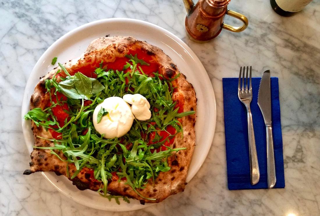 pizzeria-iovines-paris-1-pizza