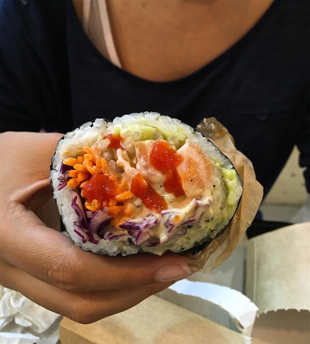 fuumi-sushi-burrito-sauce
