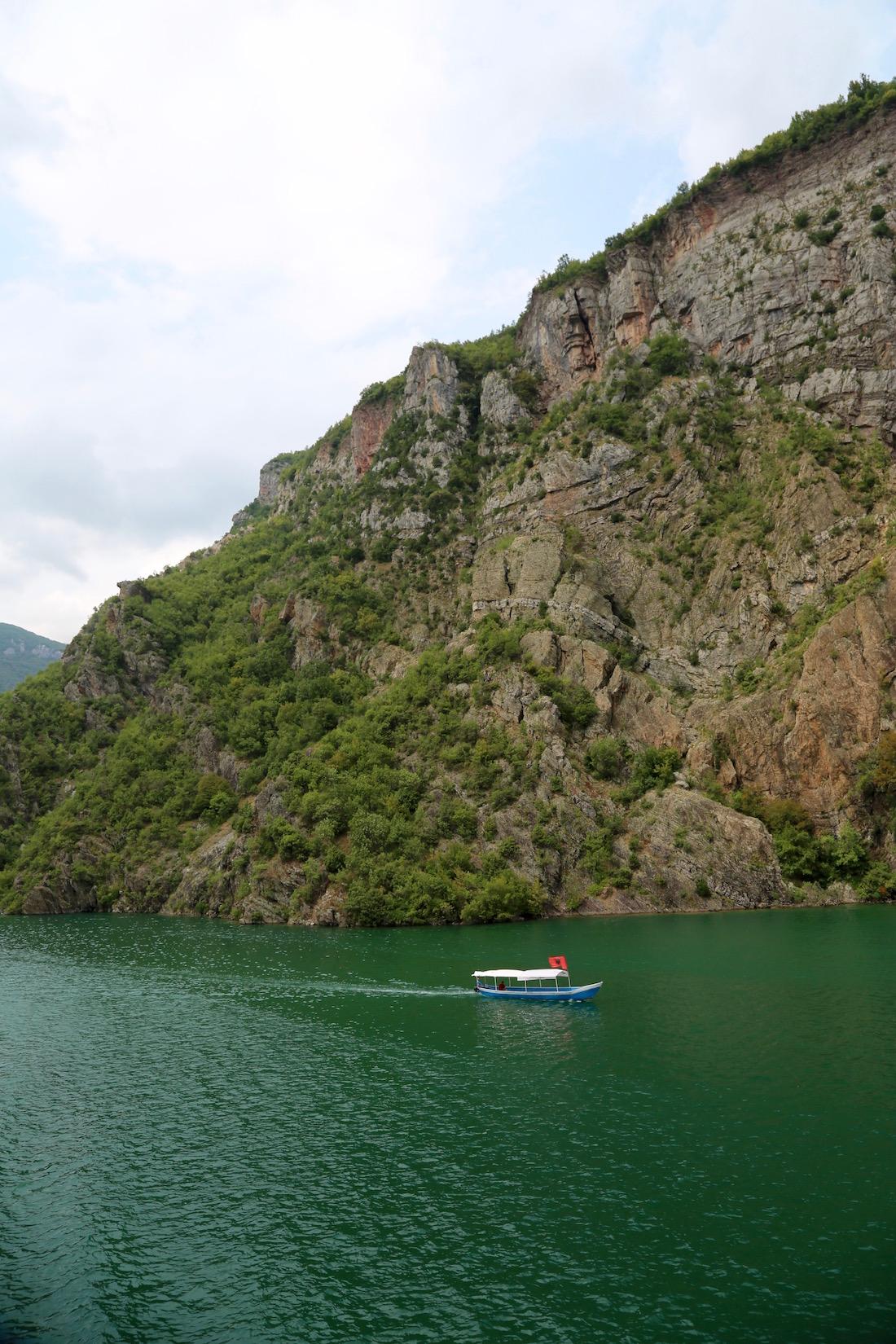 koman-lac-koman-albania-guide