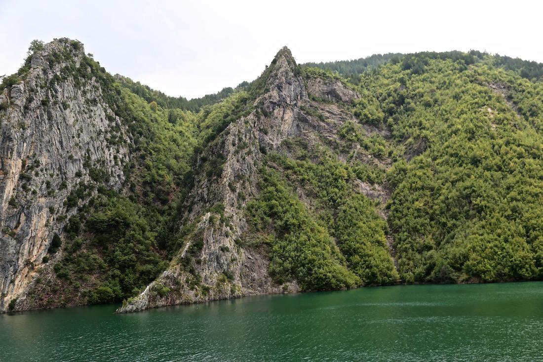 komani-lac-koman-albania