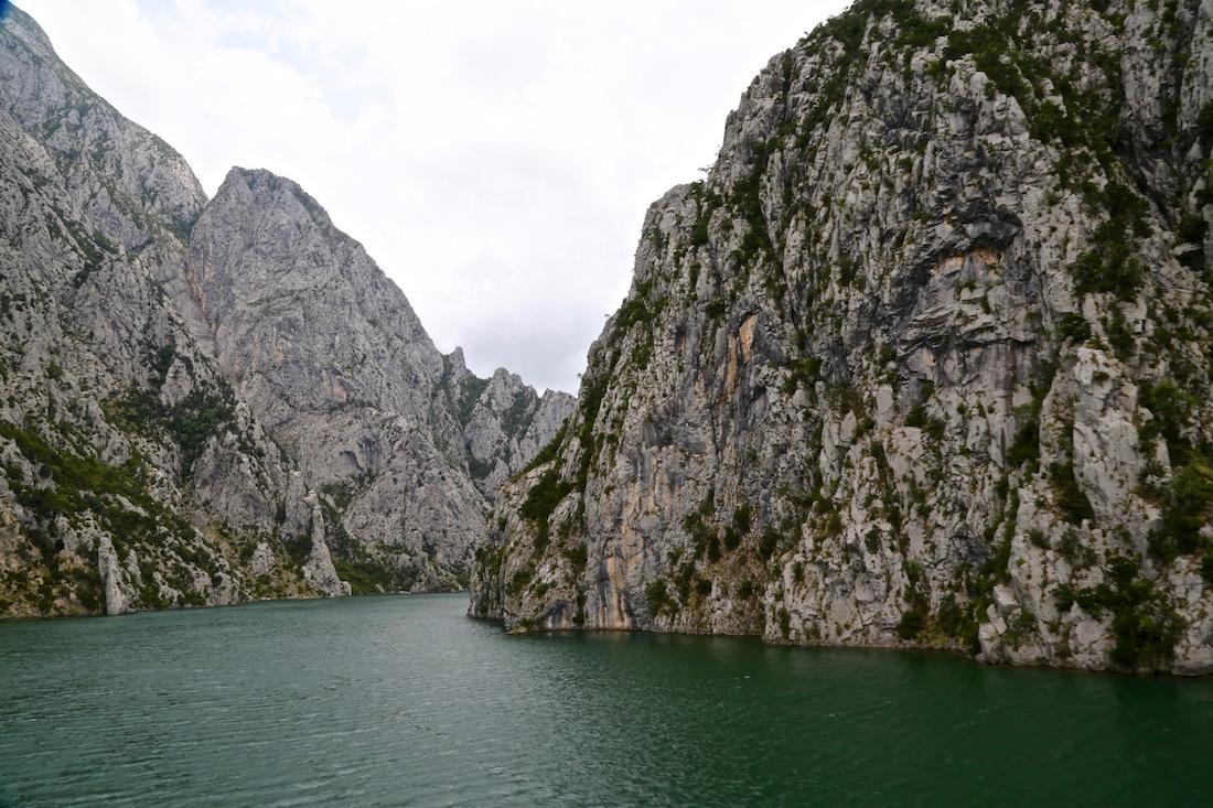 komani-lake-albania-ferry