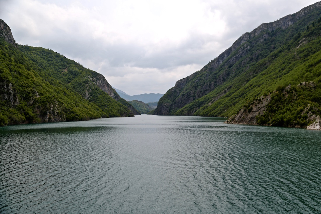 komani-lake-albania-photo