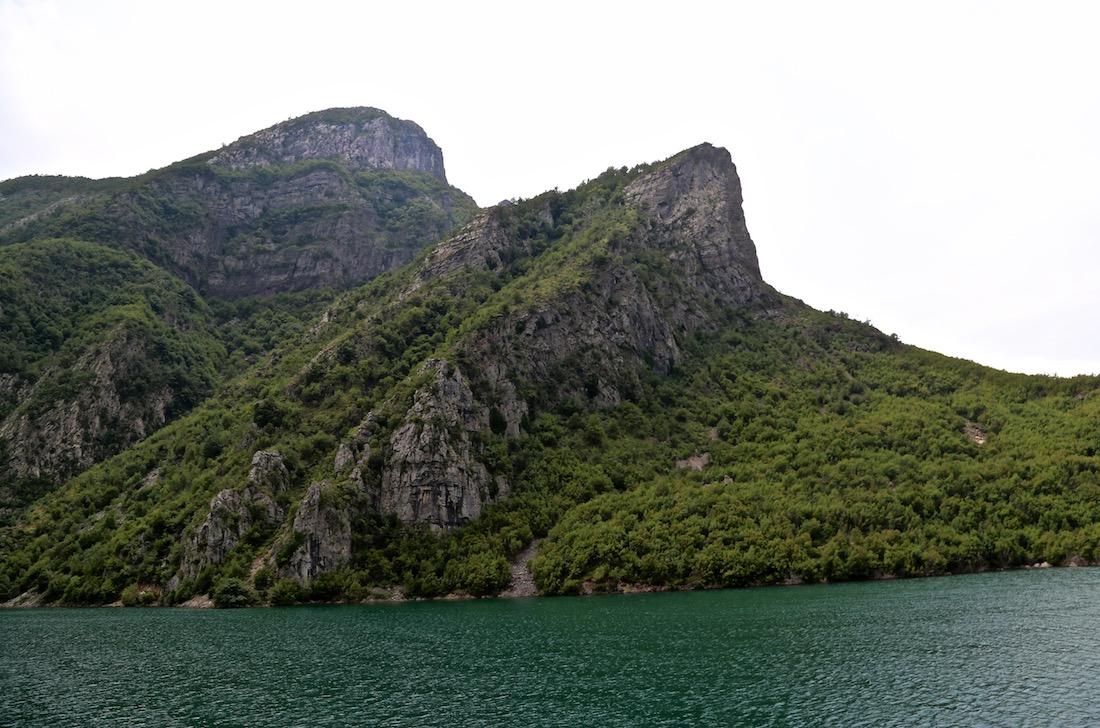 komani-lake-albania