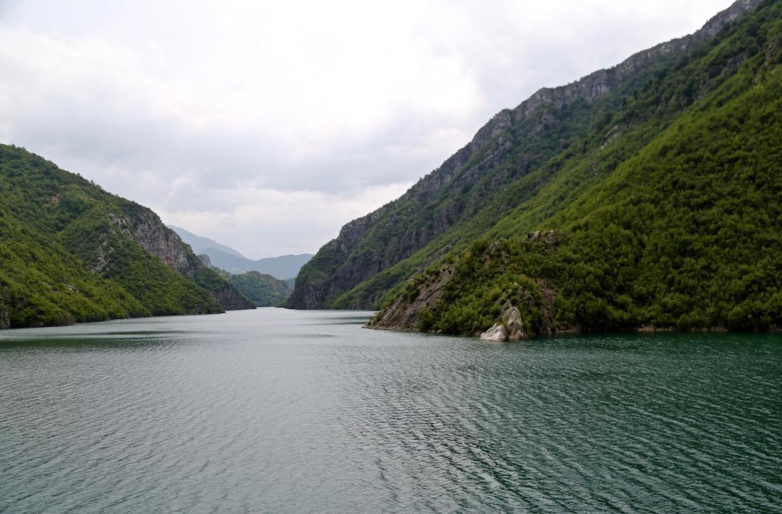 lac-komani-lake-albania