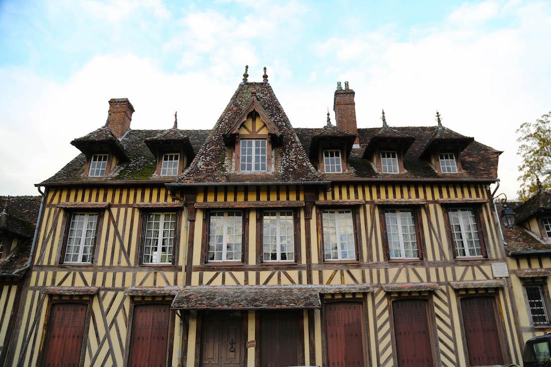 lyons-la-foret-village-week-end-moins-de-2heures-paris