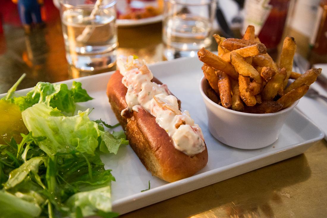 resto-lobster-roll-lobster-bar-paris-1