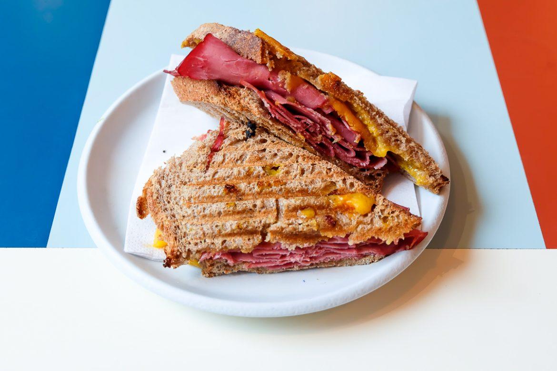sybaris-restaurant-paris3-sandwich