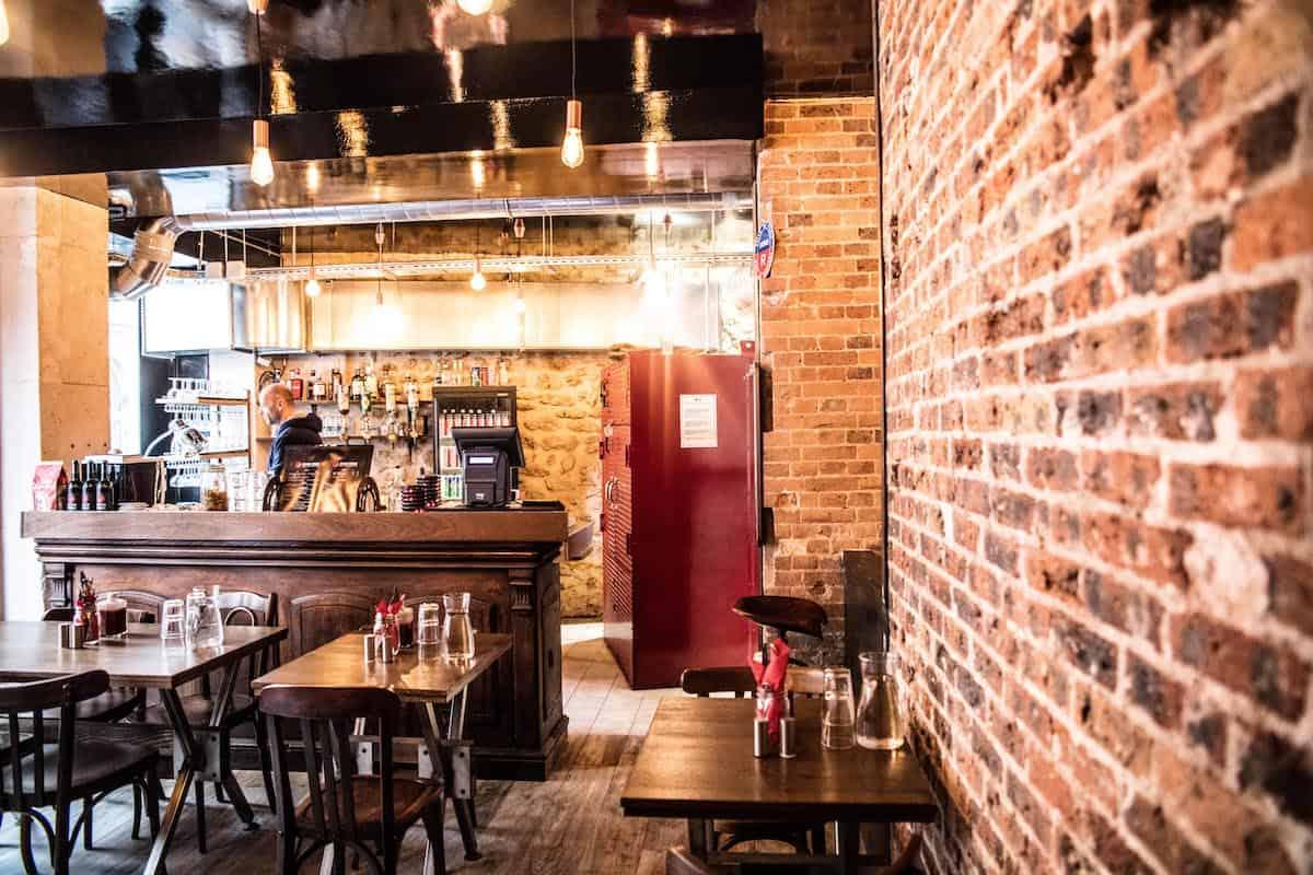 rhino-rouge-restaurant