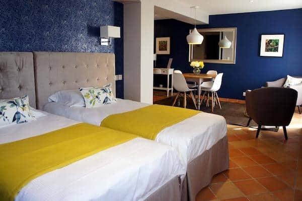 piscine-hotel-moins-une-heure-moins-100-euros