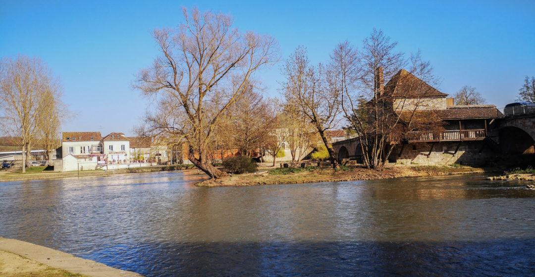Balade à Moret-sur-Loing en Seine et Marne – à moins d'une heure de Paris