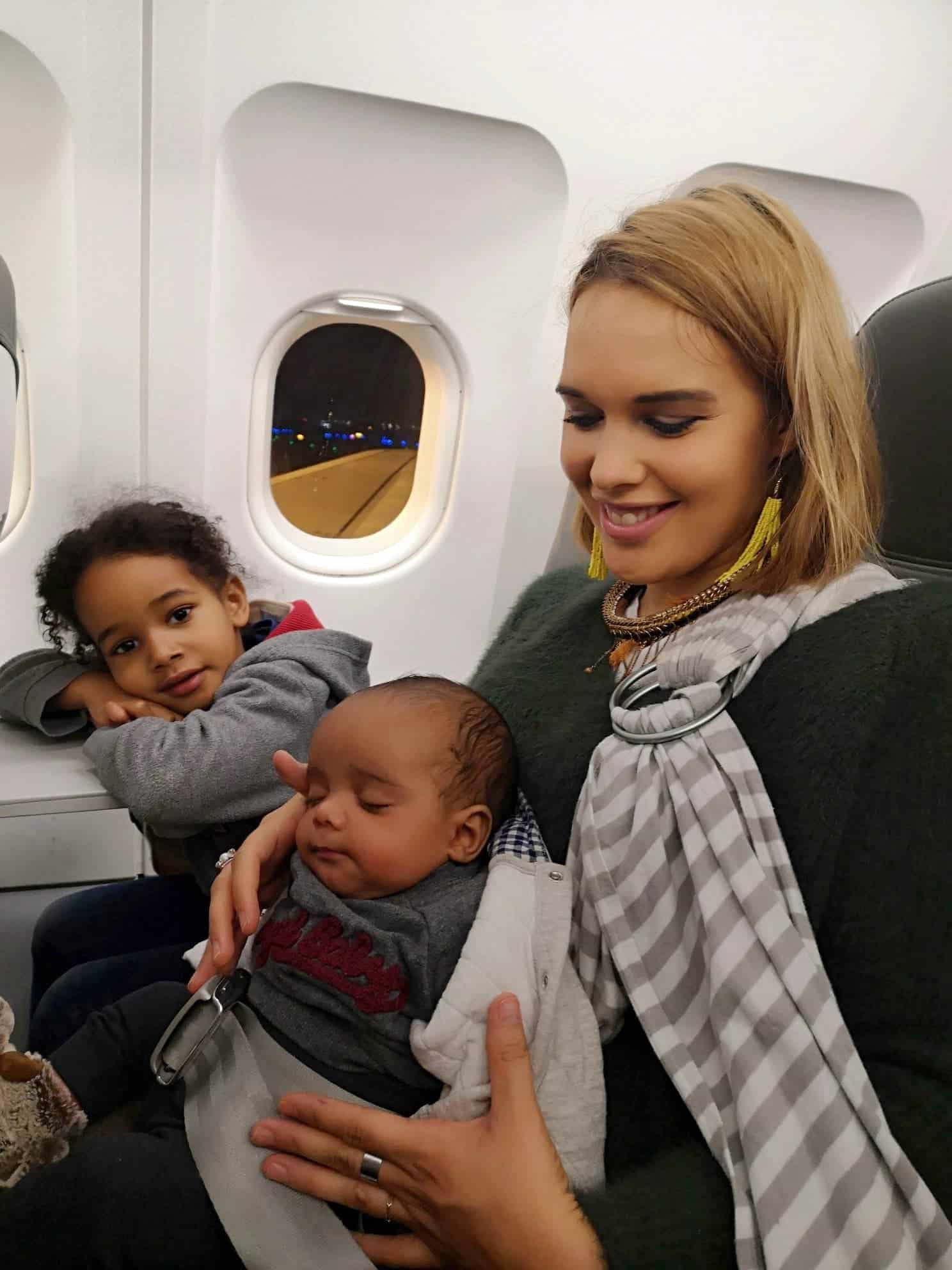 avion-avec-des-enfants-activites-jeux