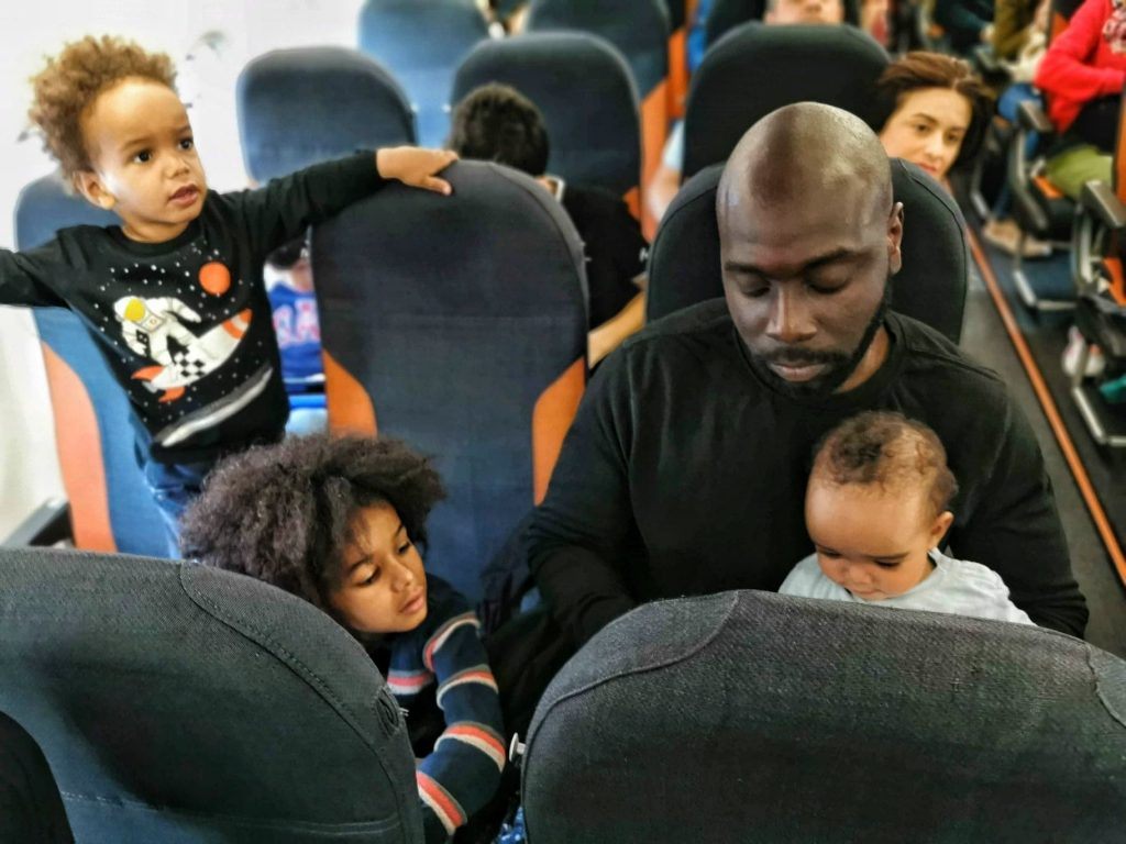 avion-avec-enfants