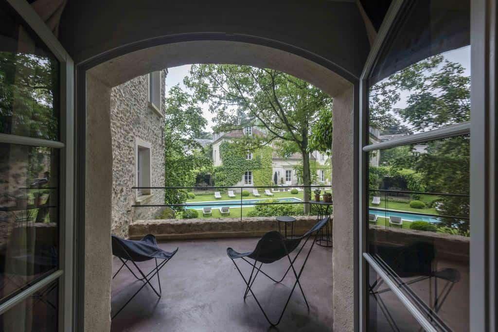 hotel-piscine-romantique-moins-1h-100km-paris