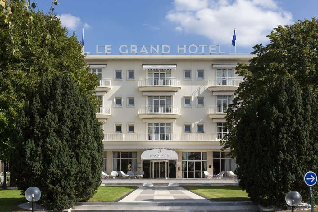 hotel-piscine-couverte-1-heure-paris