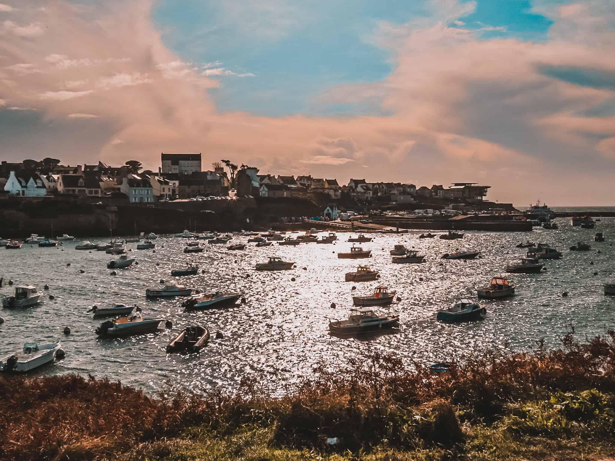 le-conquet-port-village-finistere-nord-promenade