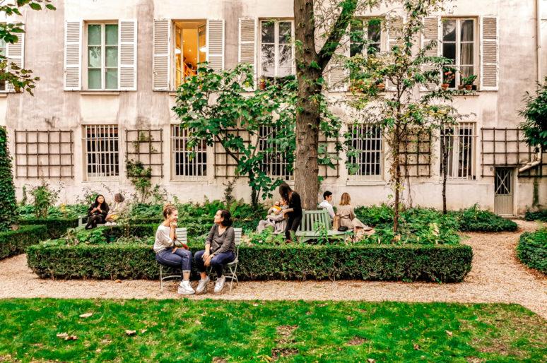 Le Musée Delacroix et son jardin secret derrière la charmante place Furstenberg