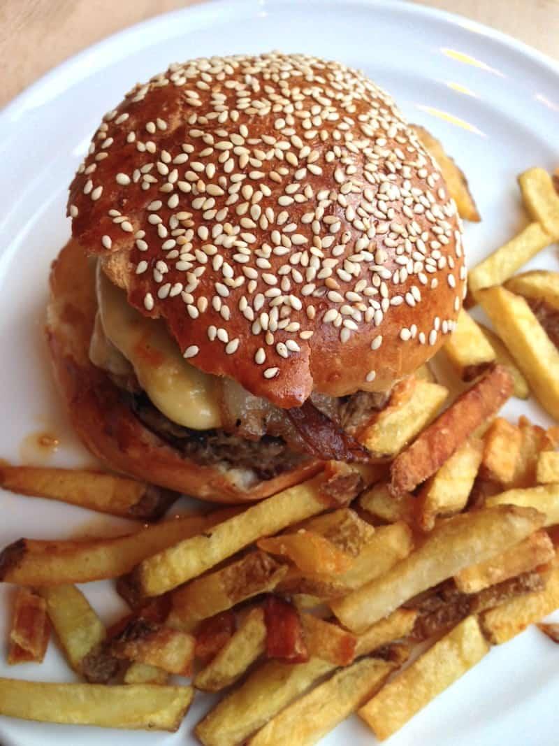 burger-cantine-california-rue-de-turbigo